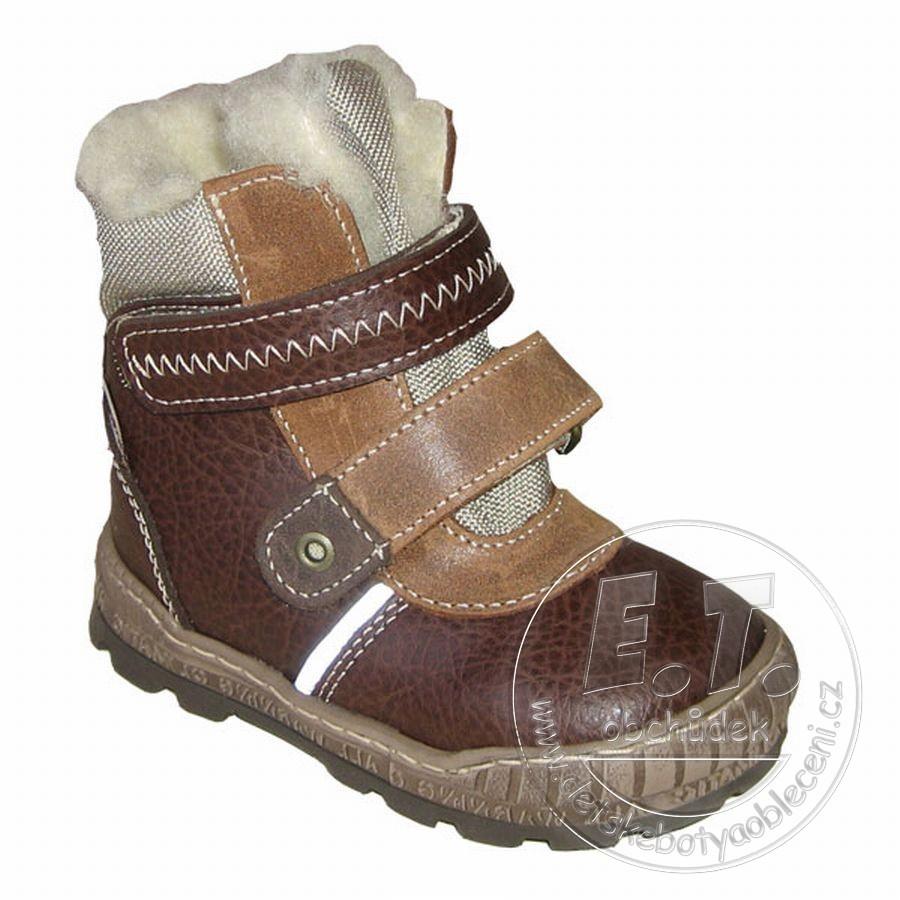 f446bb223c4 Kožené zimní dětské boty PEGRES model 1702 - hnědé č.1